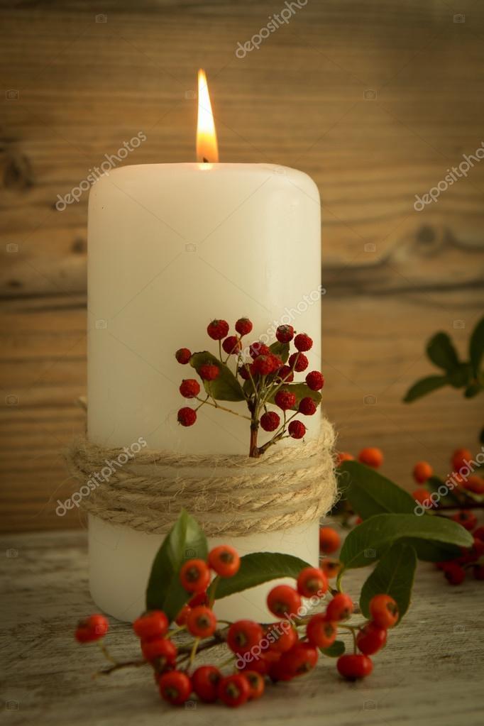 elegantes velas decoradas para navidad fotos de stock - Velas Decoradas