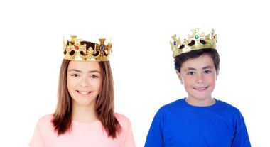 girl and boy with golden crowns