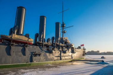 Linear cruiser Aurora, the symbol of the October revolution