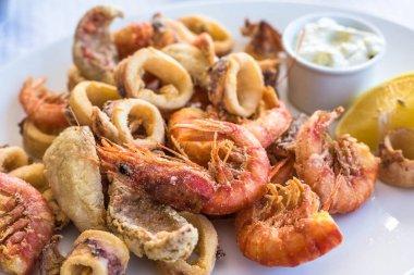 Mixed deep-fried fish