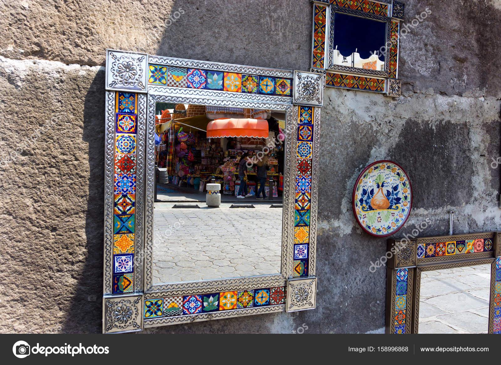 Dekorative Spiegel Zum Verkauf In Mexiko Redaktionelles Stockfoto