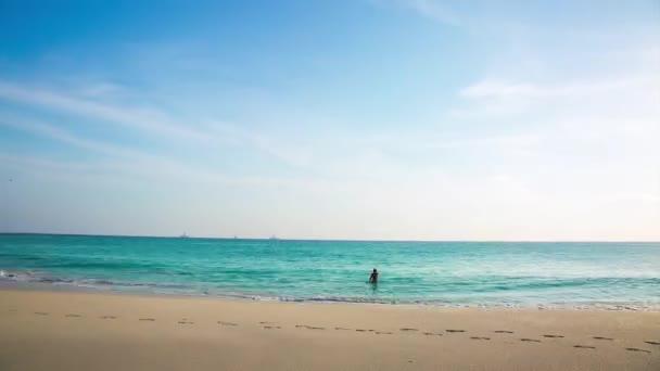 Bella tempesta sui Caraibi. Isola di Aruba. Natura di incredibile bellezza. Bello sfondo. Lasso di tempo