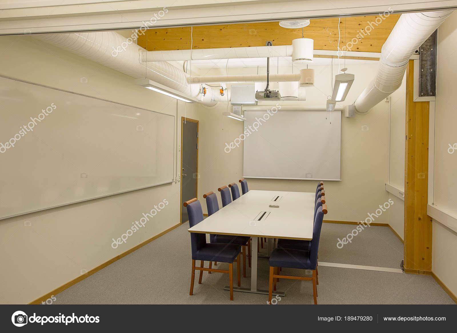 Sedie Ufficio Blu : Moderne sale conferenze riunioni camera isolato sedie ufficio