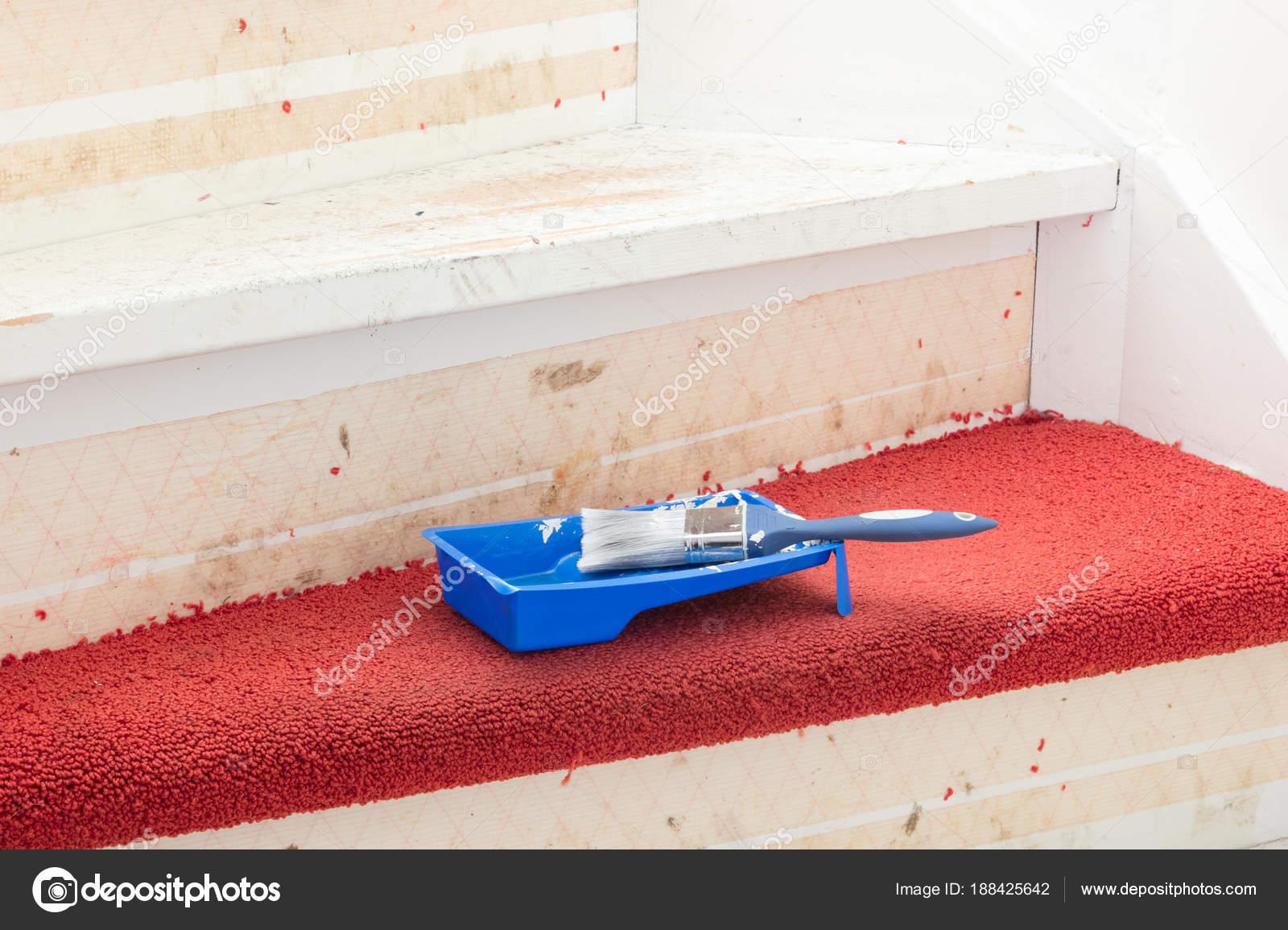 Teppich kleben great treppe teppich verlegen kosten - Kleber von fliesen entfernen ...