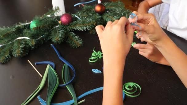 Papel Creativo Arbol De Navidad Quilling Manos De Los Ninos Hacen