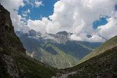 Fotografie nádherné skalnaté hory
