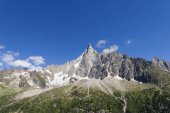 Photo scenic view of rocky mountains and clear blue sky, Alps, France