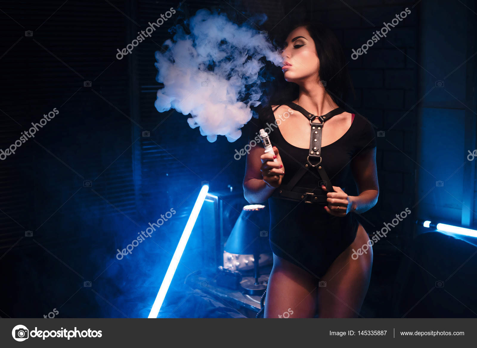 Hot Blouse boobs
