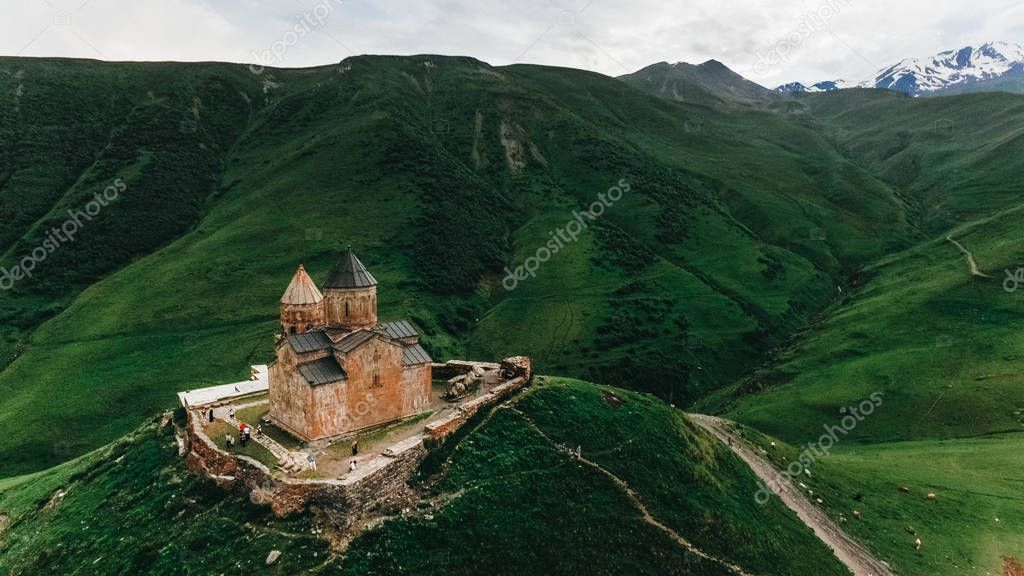 Фотообои old castle in green mountains