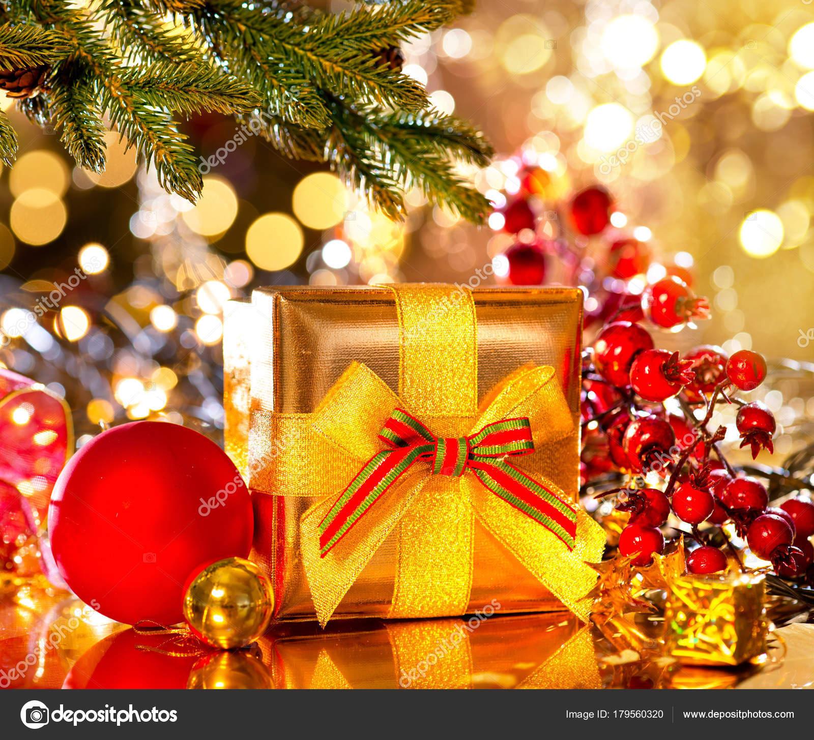 Fotos Arboles De Navidad Decorados Caja Regalo Dorada Bajo Arbol - Fotos-arboles-de-navidad-decorados