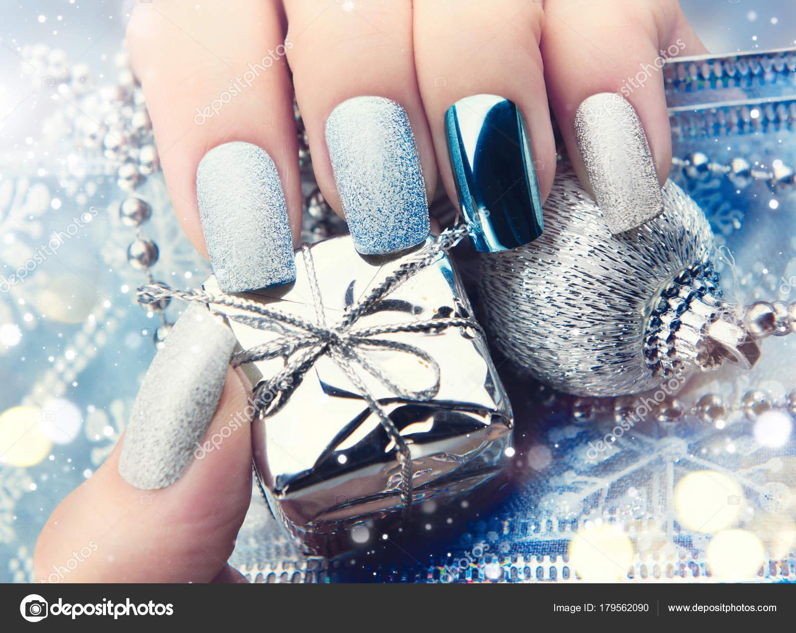 Navidad Uñas Manicura Colores Plata Foto De Stock