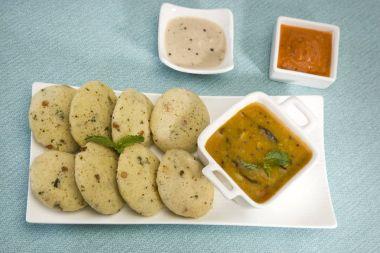 Sambar with Idli with Coconut Chutney