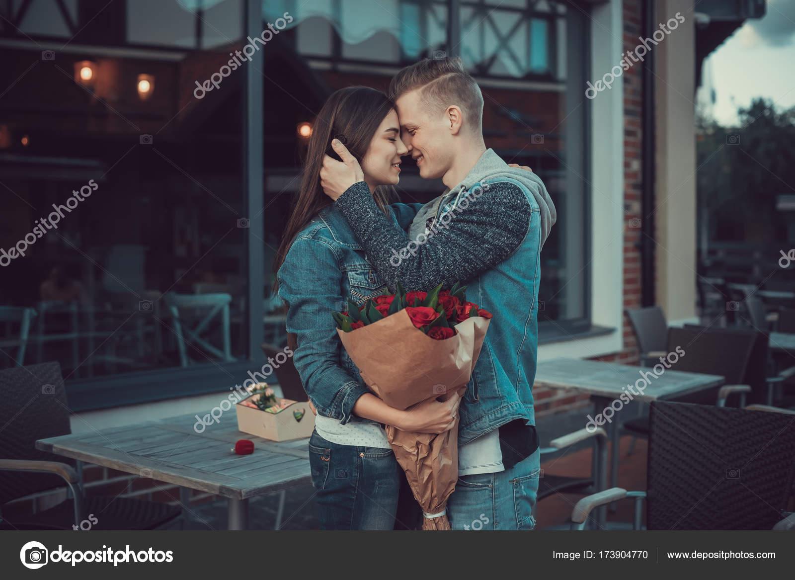 Dating για εραστές κλισέ γραμμές προφίλ γνωριμιών