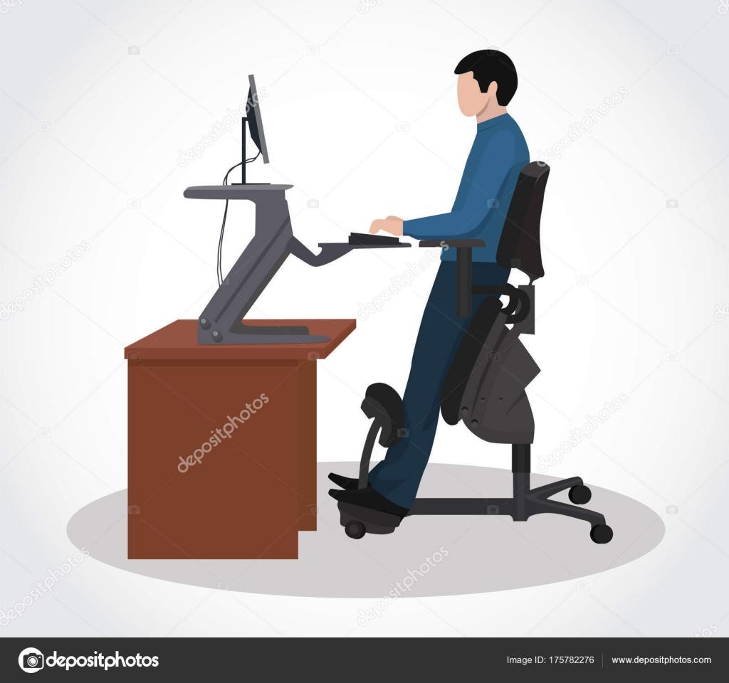 Un hombre que trabaja en un ordenador en una silla Silla ergonomica ordenador
