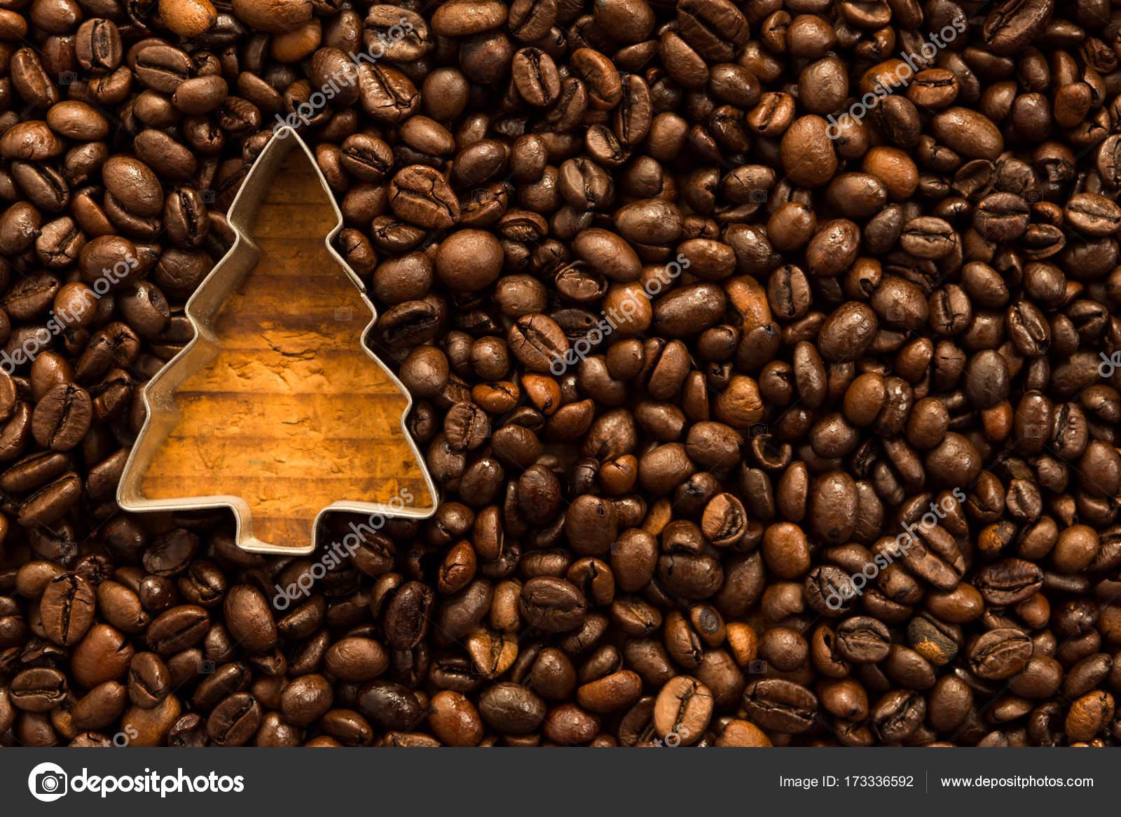 Albero Di Natale Java.Forma Di Albero Di Natale In Chicchi Di Caffe Foto Stock