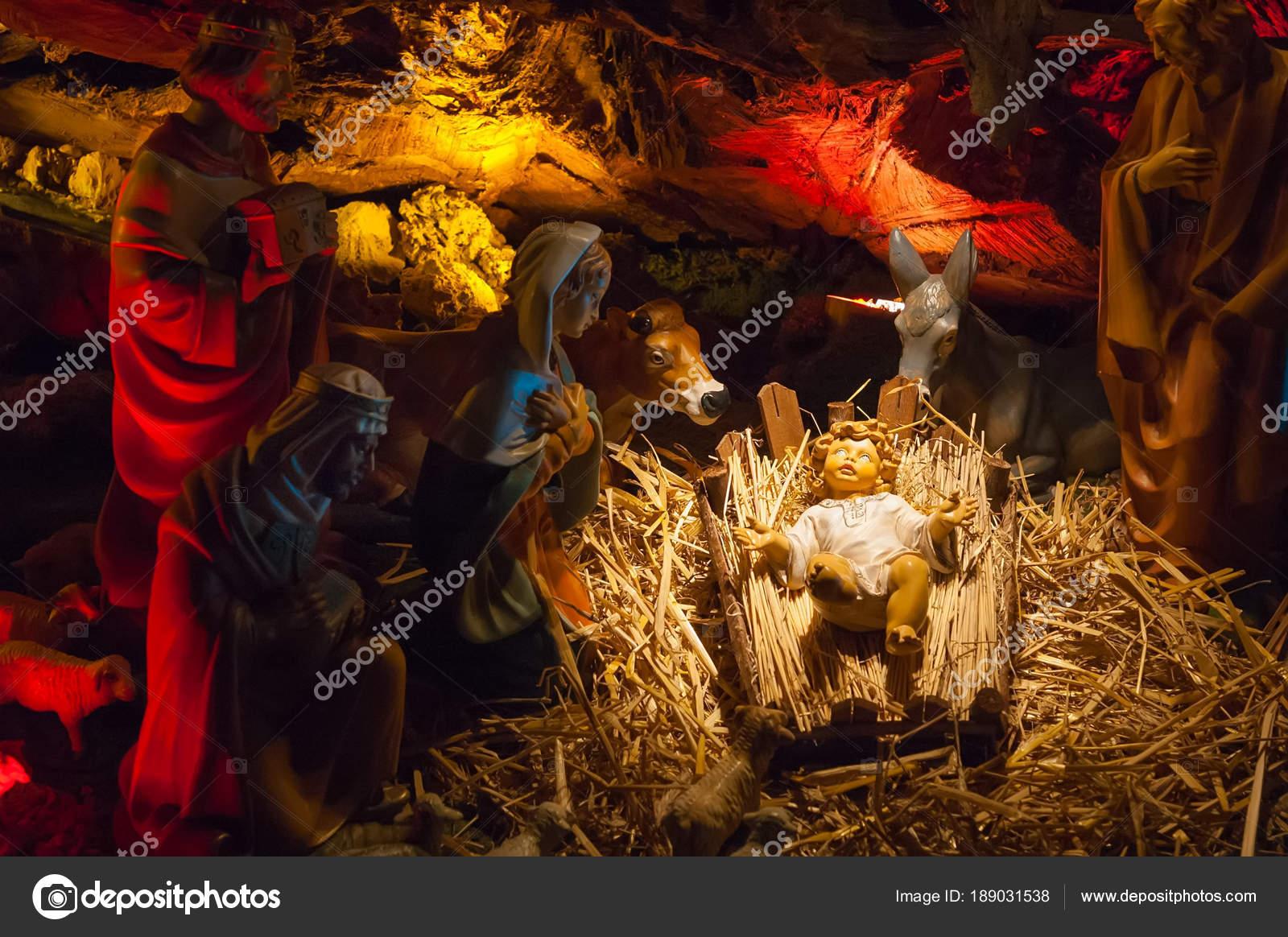 Immagini Natale Sacre.Immagini Sacre Natale Jpg Presepe Di Natale Con Sacra