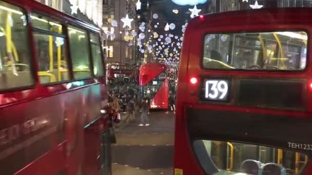 Karácsonyi fények kiállítás az Oxford Street, London, busz, vezető szempontból.