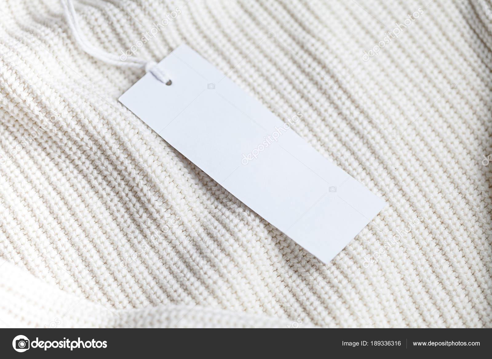 Kleidung Label Tag leeren weißen mockup — Stockfoto © ollzha #189336316