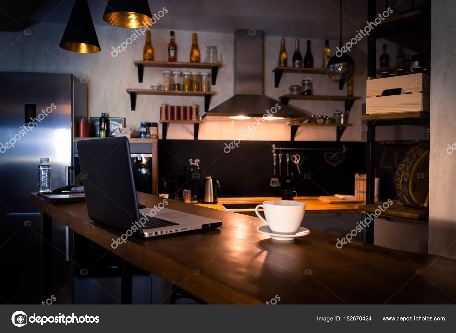cucina con banco bar — Foto Stock © Sergey_T #182670424