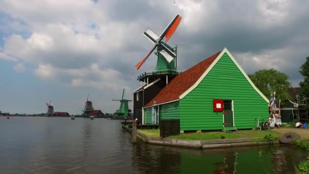 větrné mlýny v Alkmaaru