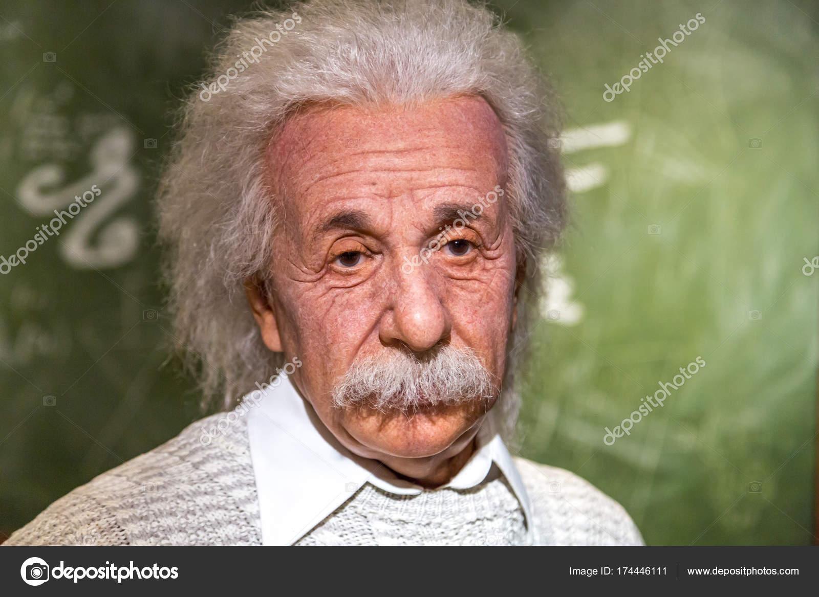 アルバート ・ アインシュタイン...