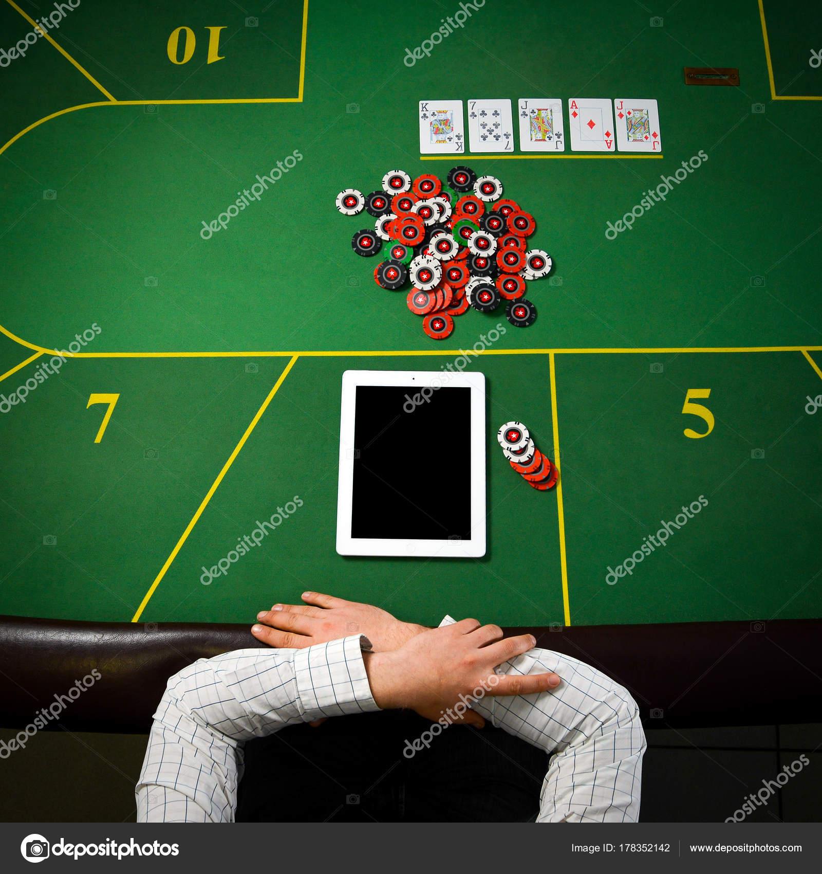 Играть покер онлайн на планшете карты игральные пасьянс косынка играть бесплатно