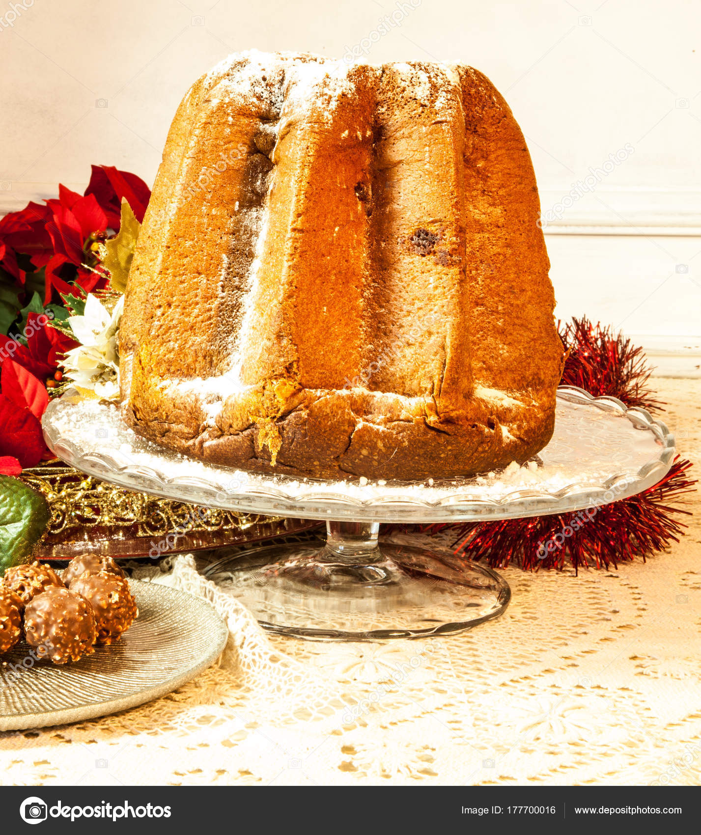 il pandoro a typical italian christmas dessert on a beautiful table with decorations photo by fiorellamacor - Italian Christmas Table Decorations