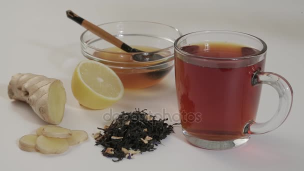 Hot tea with lemon 2