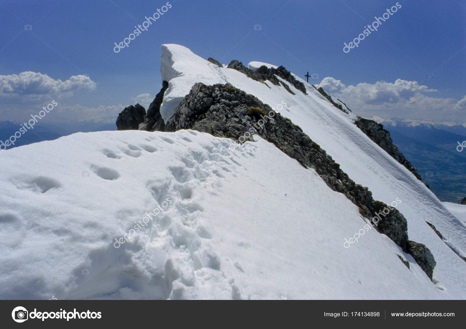 Klettersteig Innsbruck : Gipfelgrat spuren schnee innsbrucker klettersteig innsbruck fixiert