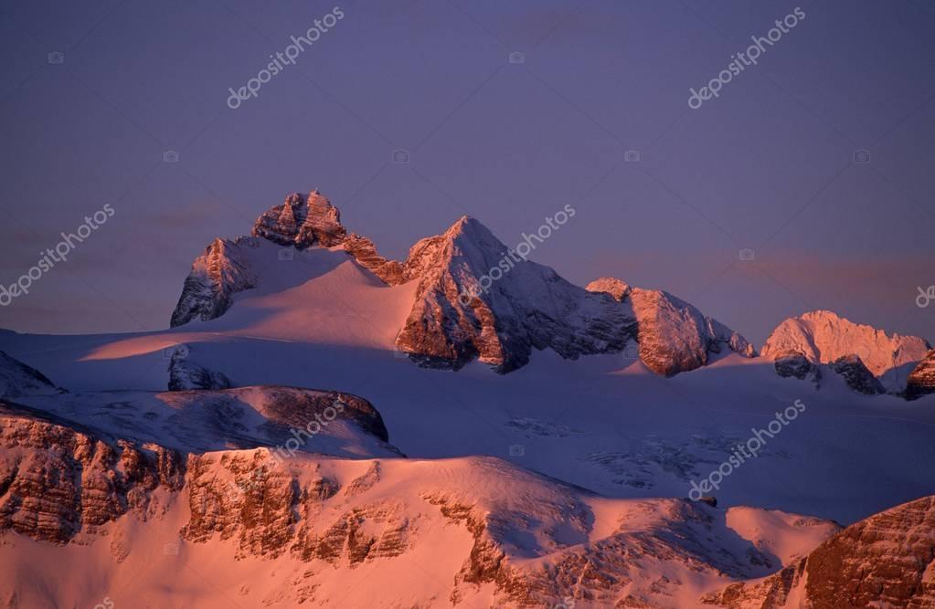 Mount Hoher Dachstein (2995m) at sunrise, Styria, Austria, Europe