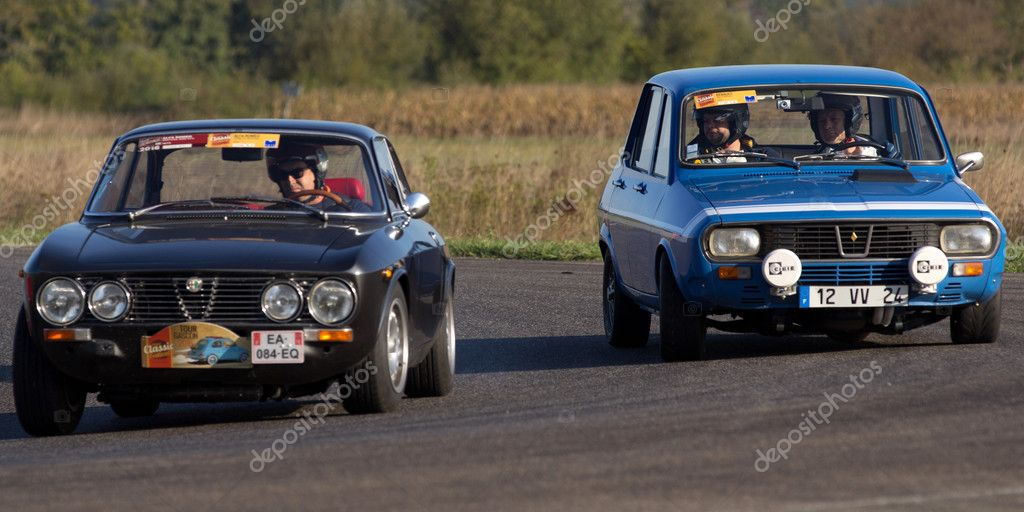 Two old race cars side by side. – Stock Editorial Photo © allg ...