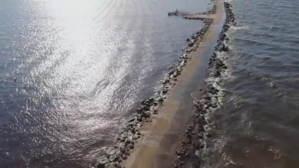 Mola vlnolamu přístavních mol baštou quay dam Riga Daugava Baltského moře Drone letu
