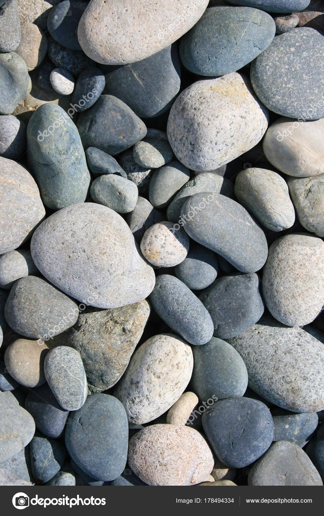 piedras redondas para jardin piedras redondas en una