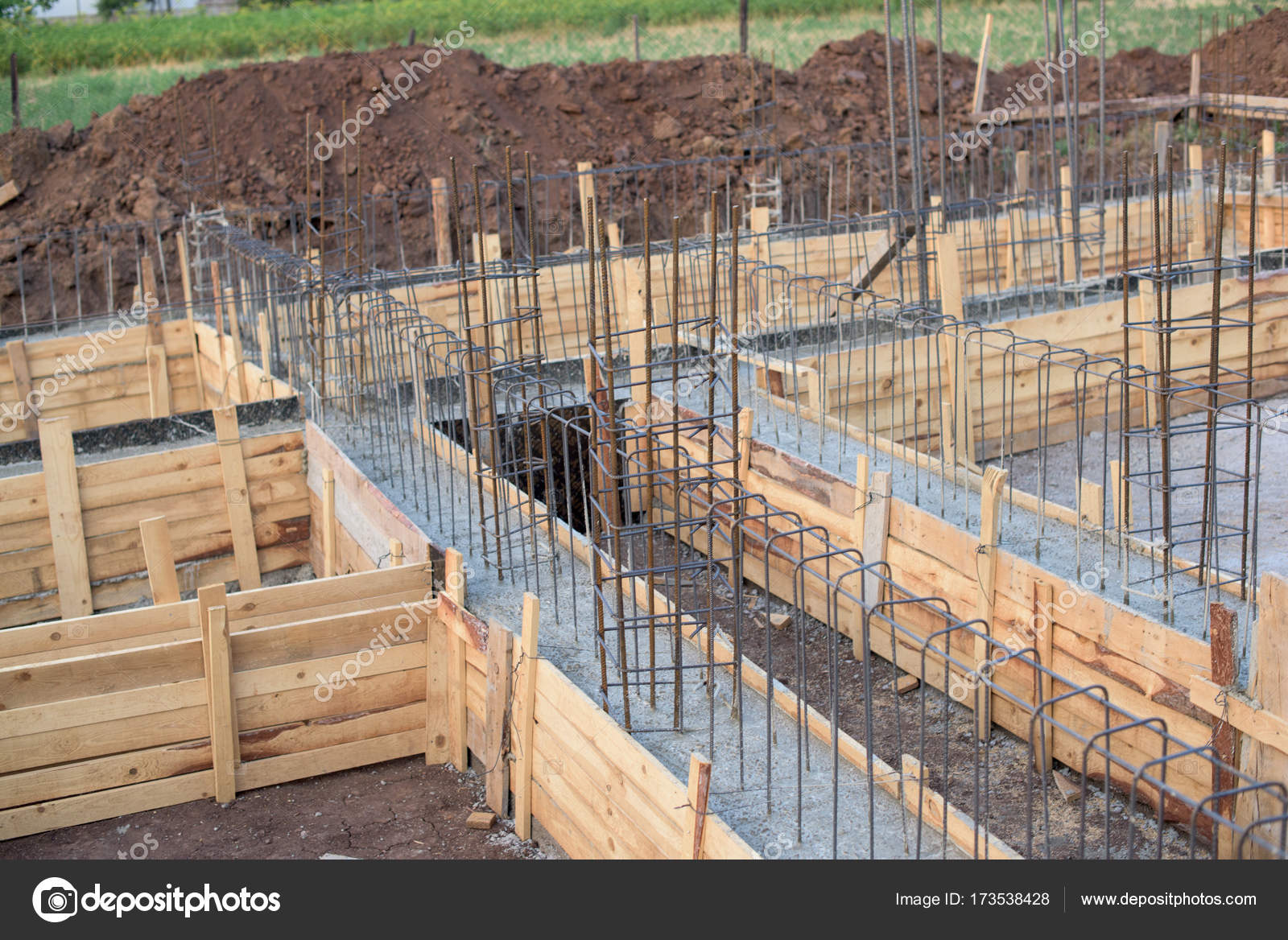 Deskowanie fundament w domu zdj cie stockowe tchara 173538428 - Pegamento de escayola para alisar paredes ...