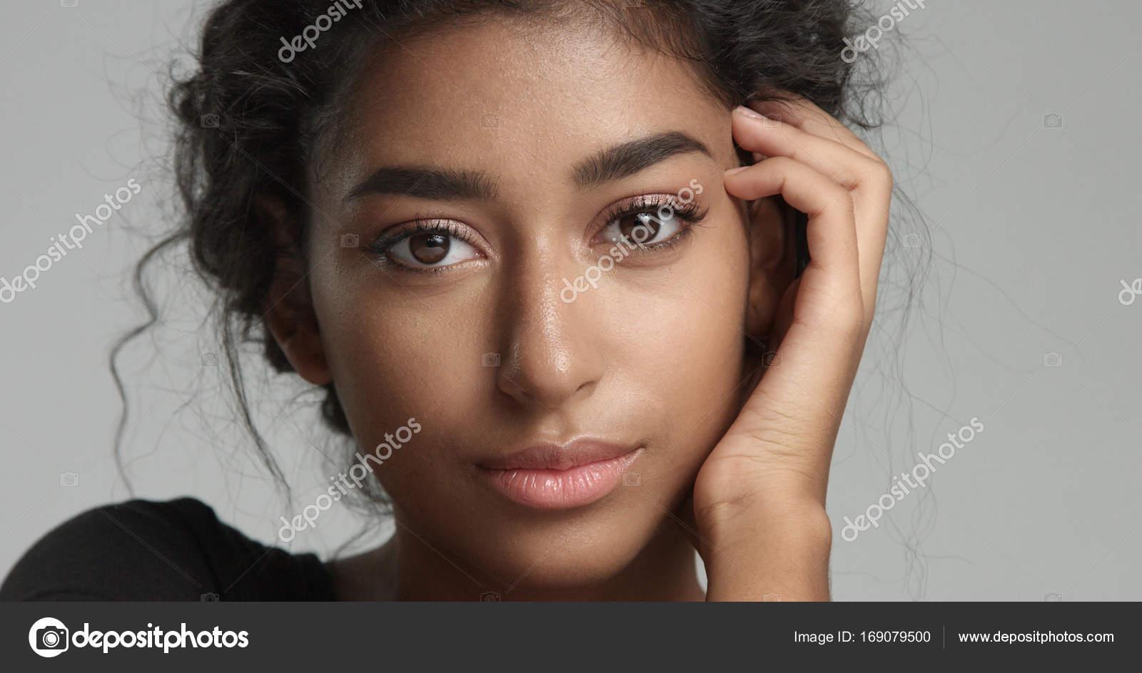Fotos Modelos Caras Bonitas Atractivo Joven Modelo Oriente