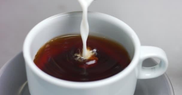 Příprava kávy v konvenční kávovar