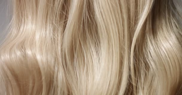 Közelről videó vagy womans szőke haj
