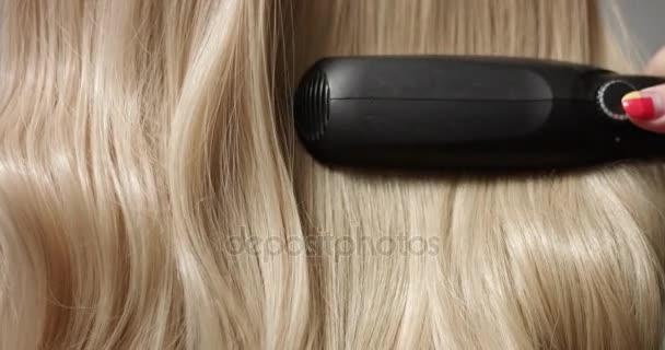 Szőke haja haj Egyenesítő stílus