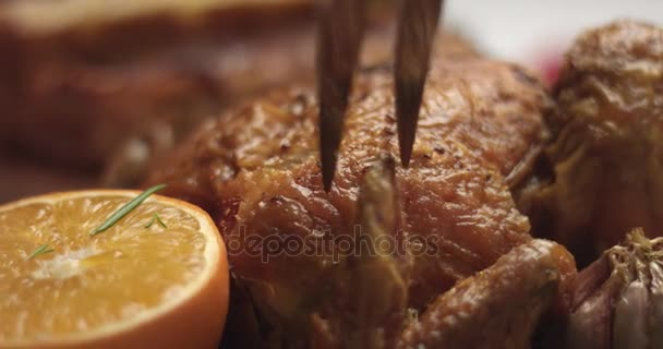 Kuřecí řezbou pečené na sváteční stůl