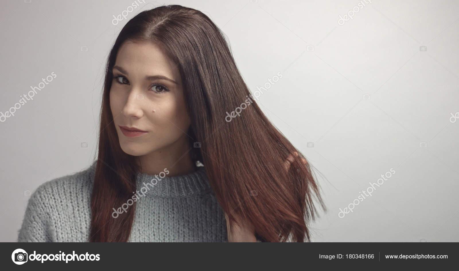 Dark Haired In Spanish