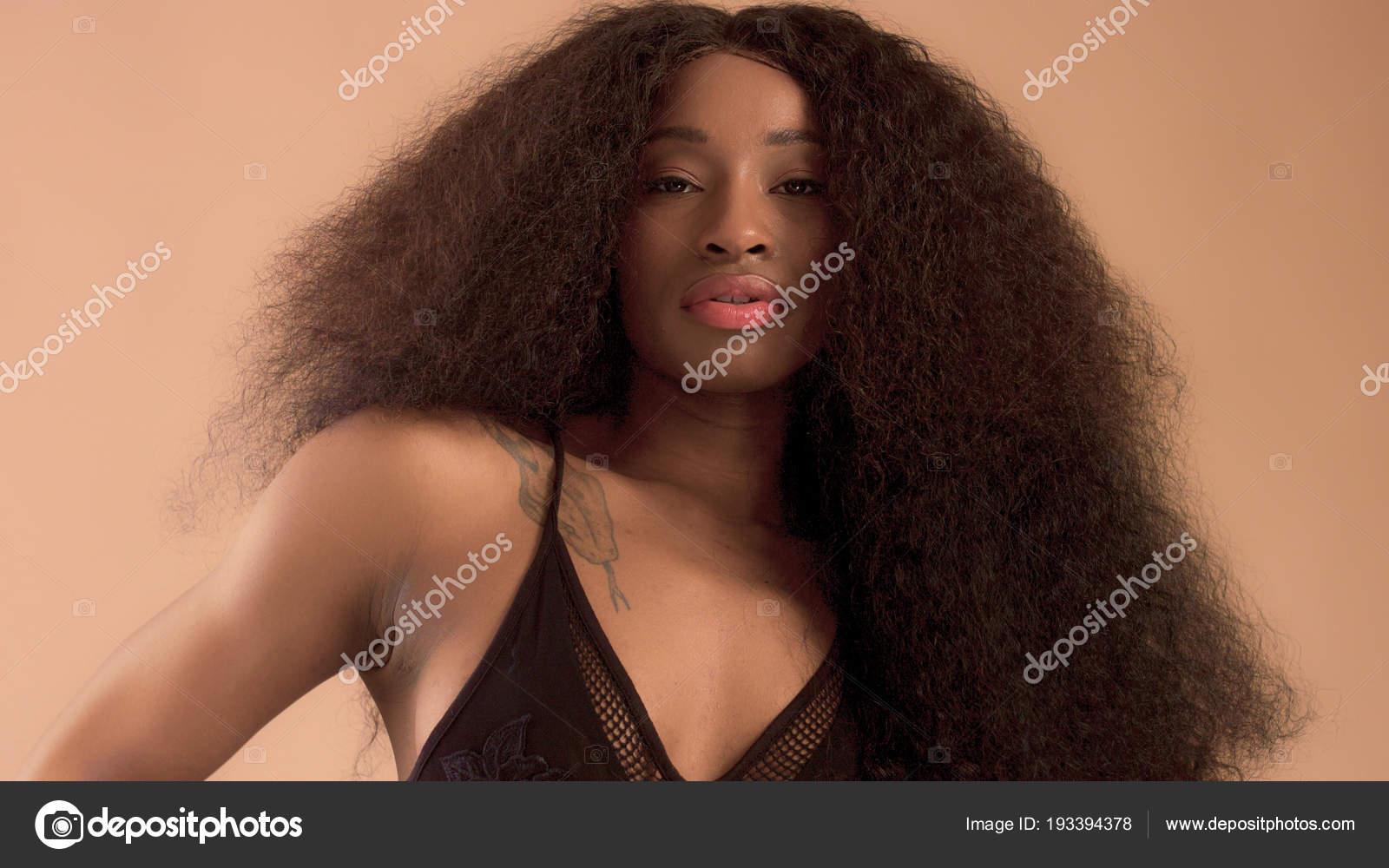Enorme donna nera