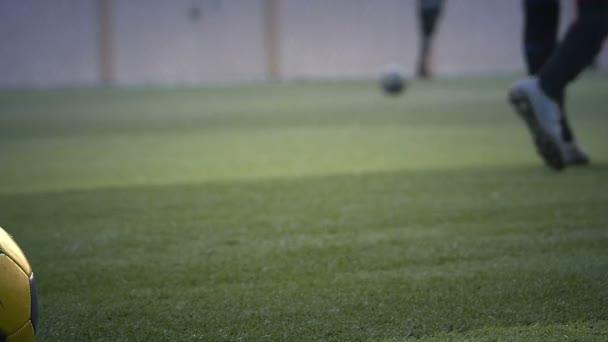 A hangulat a labdarúgó edzőpálya ifjúsági Thaiföldön