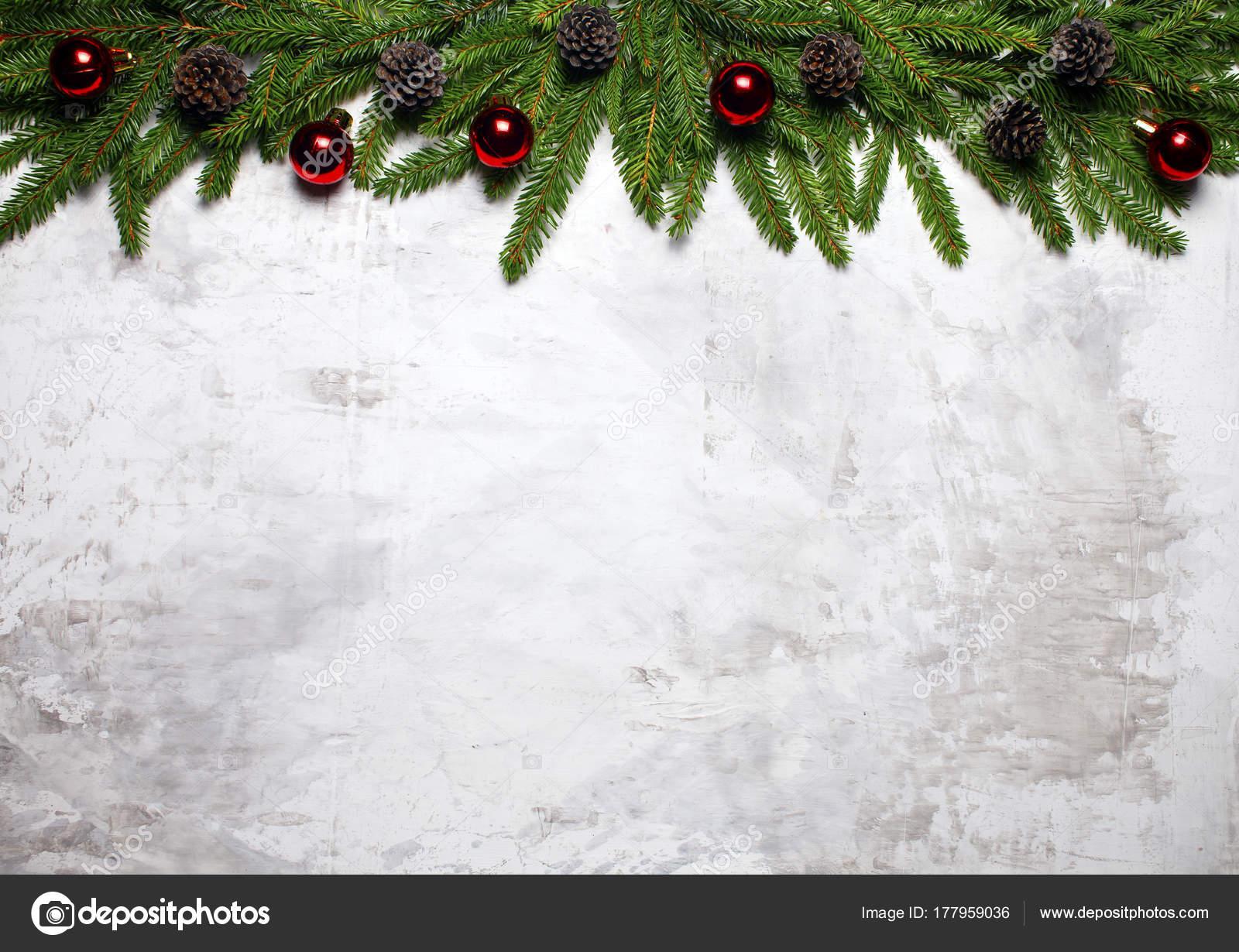 Weihnachten Wallpaper.Weiße Weihnachten Hintergrund Mit Tannenzweigen Und Tannenzapfen