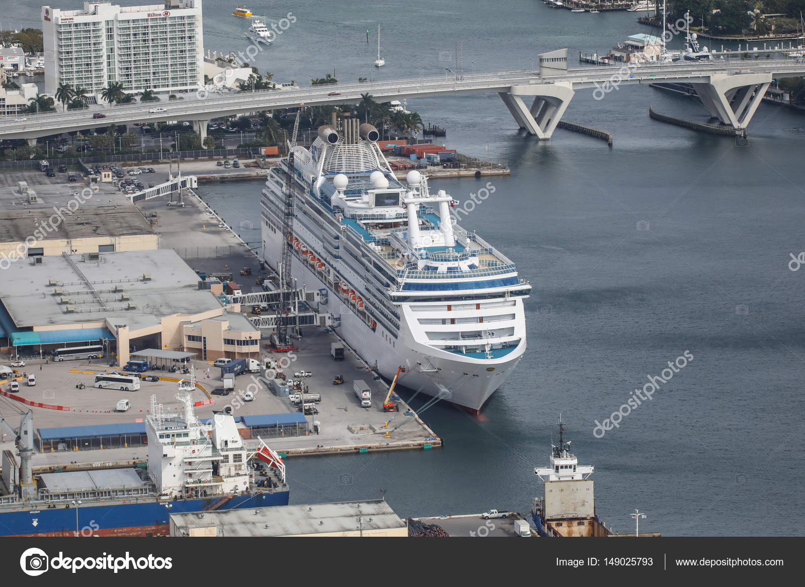 Fort Lauderdale Port >> Cruise Ship In Fort Lauderdale Port Stock Editorial Photo