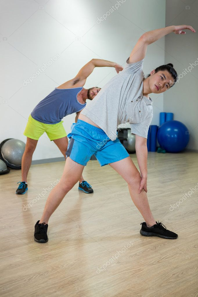 https://st3.depositphotos.com/1518767/12694/i/950/depositphotos_126942494-stock-photo-two-men-doing-aerobic-exercise.jpg