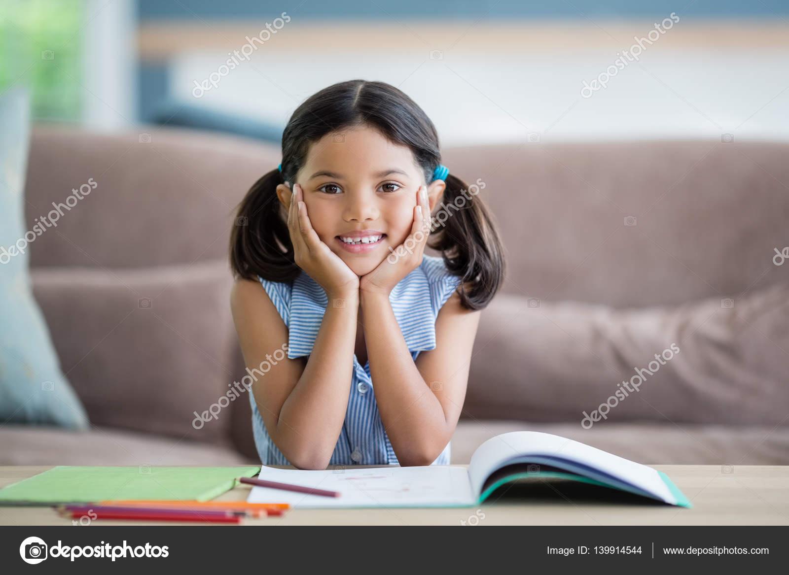 Фото девушки сидя на лице, большие члены и красивые телки