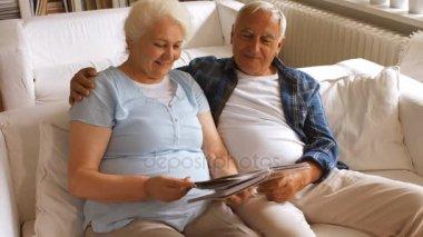 Старые пары в постели видео фото 125-214