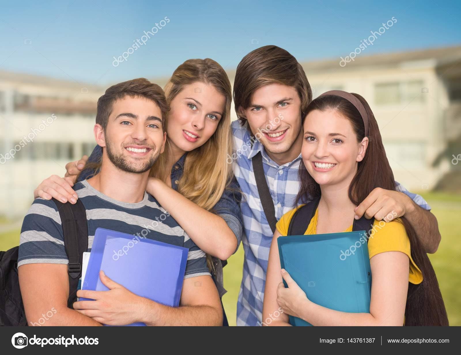 Retrato De Estudiantes Felices