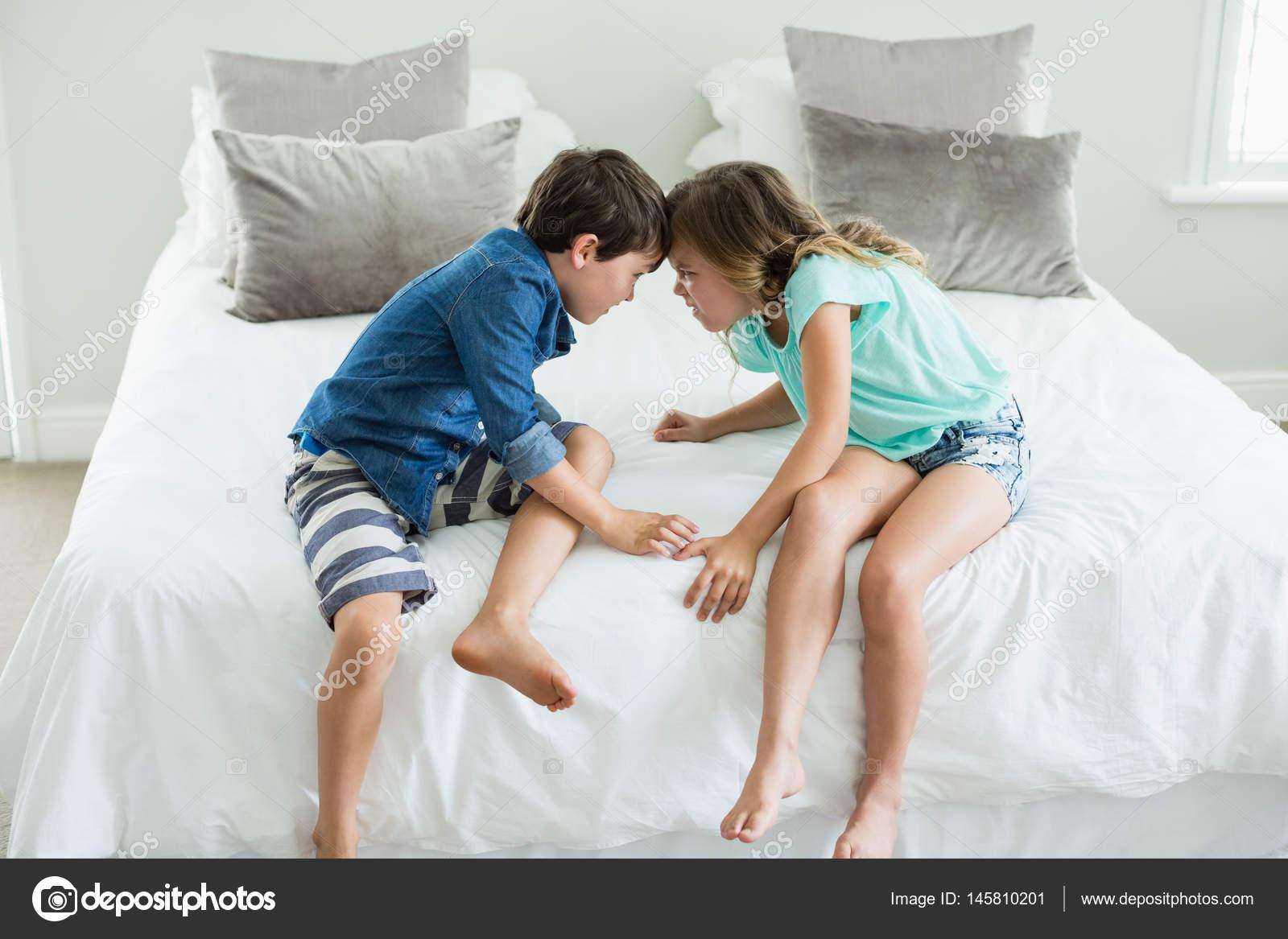 Секс брат и сестра со связыванием, Брат и сестра трахаются (занимаются сексом) Смотреть 17 фотография