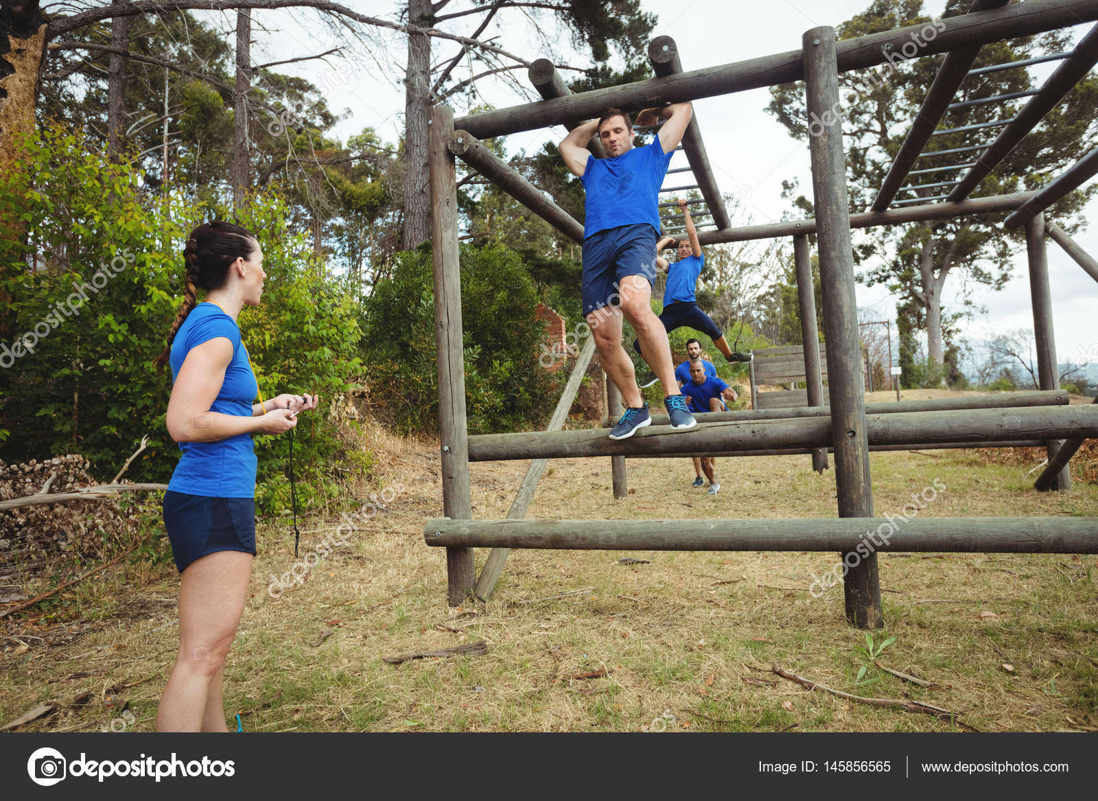 Klettergerüst Monkey Bar Gebraucht : Monkey bars stockfotos bilder alamy